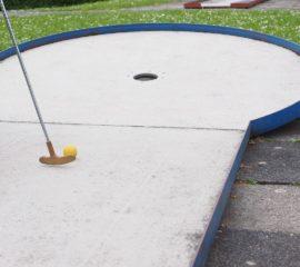 miniature-golf-1271970_1280